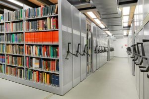 Rollregale in der Bibliothek