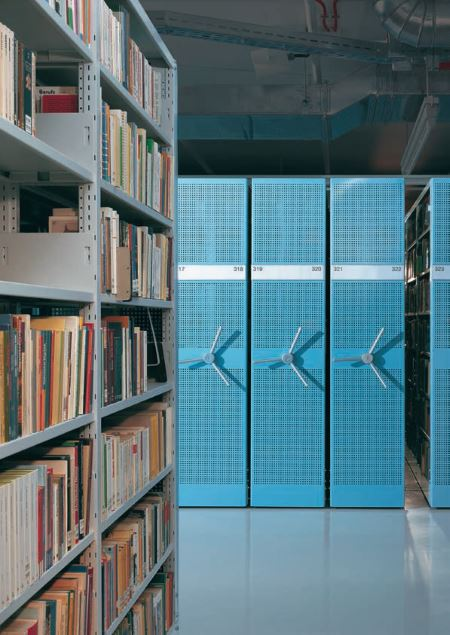 Rollregal Bibliothek